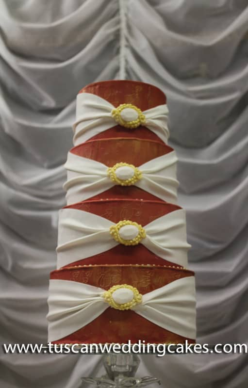 Tuscan Wedding Cakes - L'Arte Della Torta di Melanie Secciani Christmas Wedding Cake