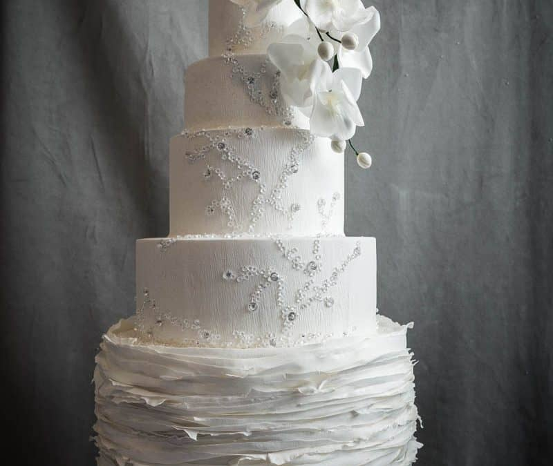 Italy's most stunning white Wedding Cake