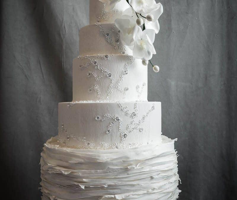 Italy's most stunning white Wedding Cake