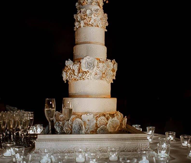 Dream wedding cake at Castillo de Vincigliata,