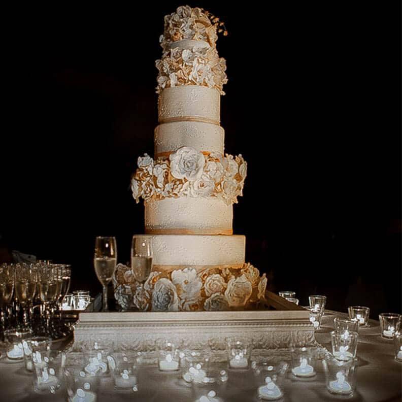 Castle Wedding Cake.Fiesole Castle Wedding Cake Tuscan Wedding Cakes