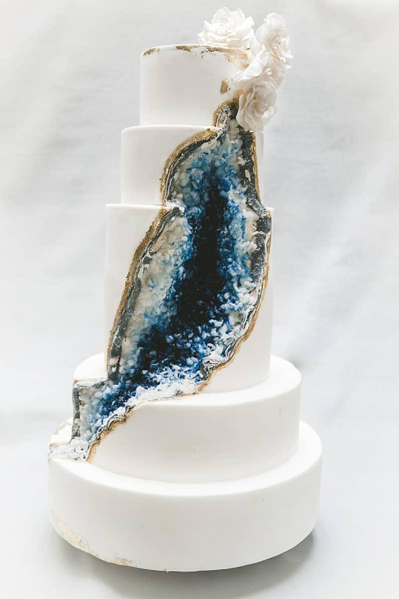 Geode Wedding Cake.Blue Geode Wedding Cake Tuscany Tuscan Wedding Cakes