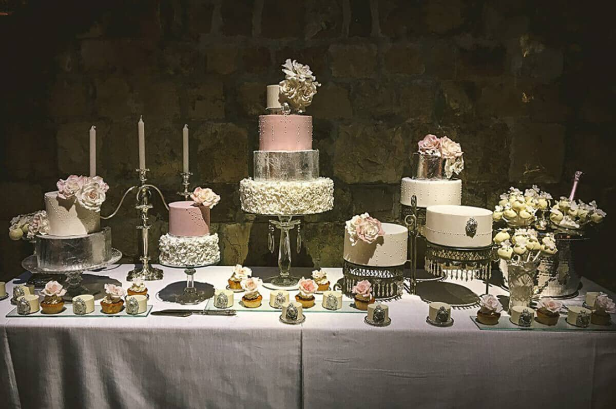 Wedding Cake Table.Luxury Wedding Sweet Table Vincigliata Tuscany