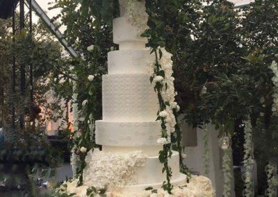 Mega Wedding Infinity Hanging Cake, Pulgia