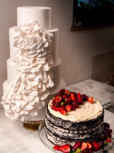 Florence, Tuscany wedding cake desinger Melanie Secciani creates Italy's most beautiful and delicous teired cakes.