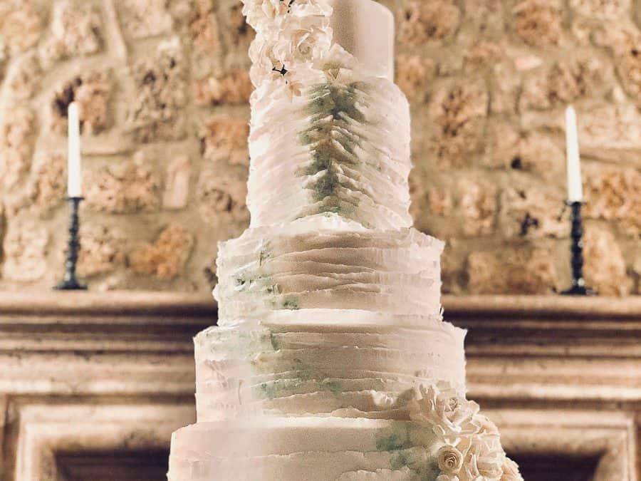 Borgo Santo Pietro Wedding Cake – Watercolor Ruffles