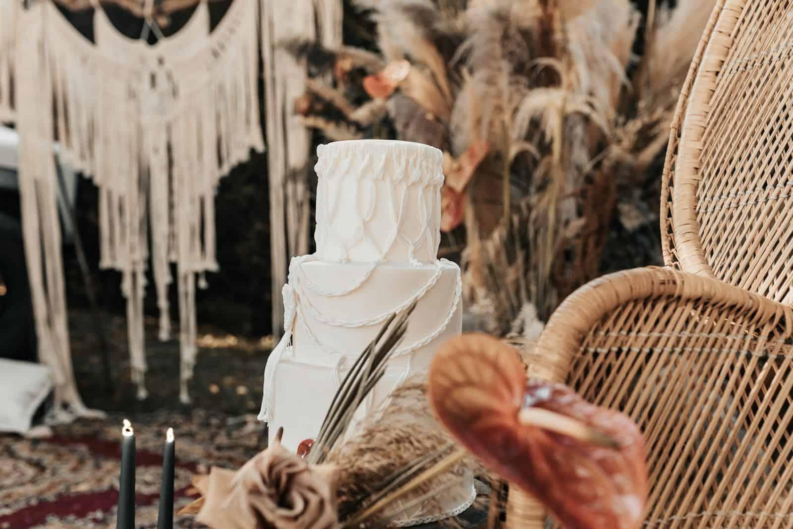 Boho wedding cake by Tuscan Wedding Cakes