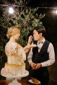 Playful wedding cake at Casa Cornacchi by Tuscan Wedding Cakes